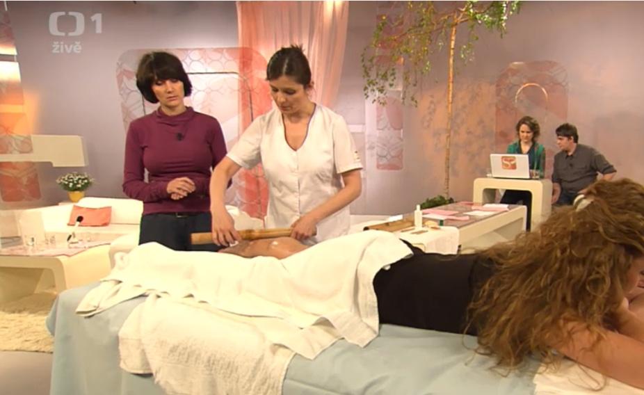 Bambusová masáž, Daniela Krynková v Sama doma - Masáže Náchod